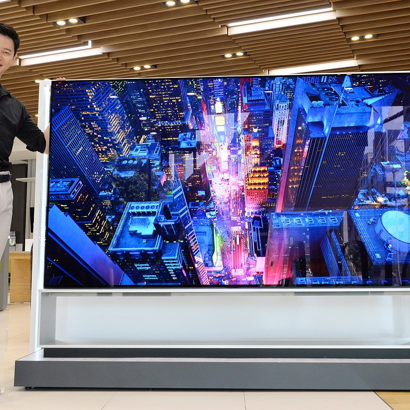 LG 8K OLED TV 002.jpg