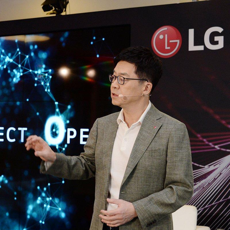 LG-Future-Talk_1.jpg