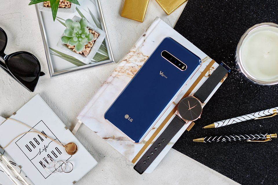 LG V60 ThinQ 5G (3).jpg