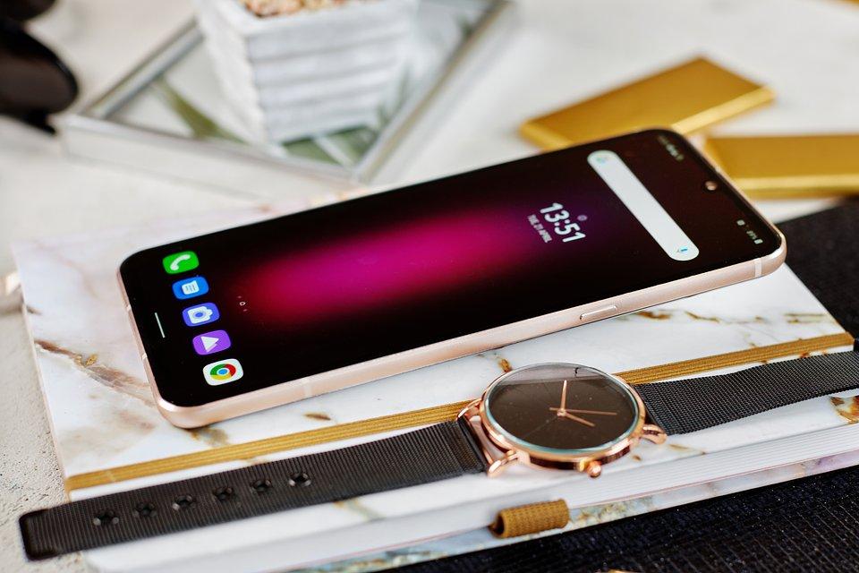 LG V60 ThinQ 5G (4).jpg