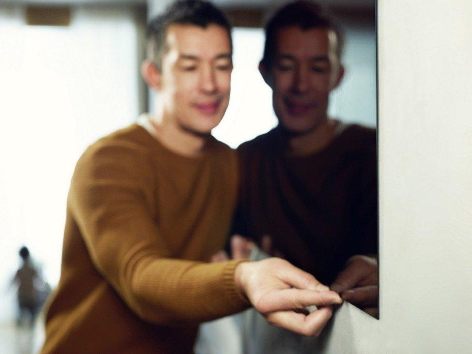 LG OLED W7 Lifestyle_32.jpg