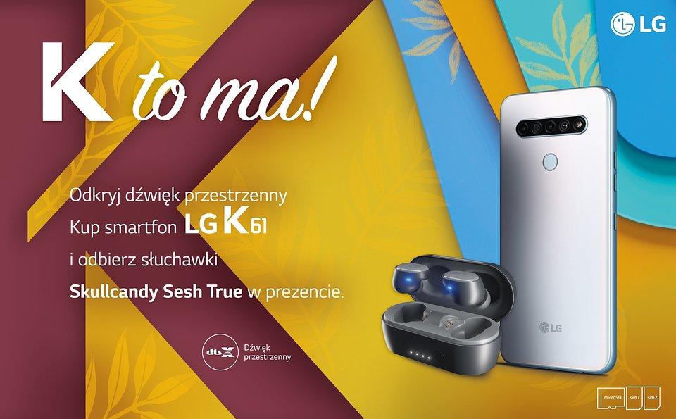 LG K61 ze słuchawkami.jpg
