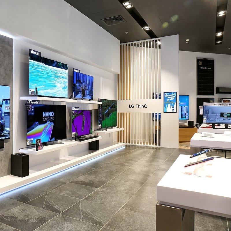 LG Brand Store Wrocław (14).jpg
