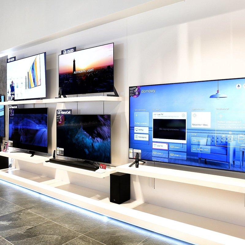 LG Brand Store Wrocław (13).jpg