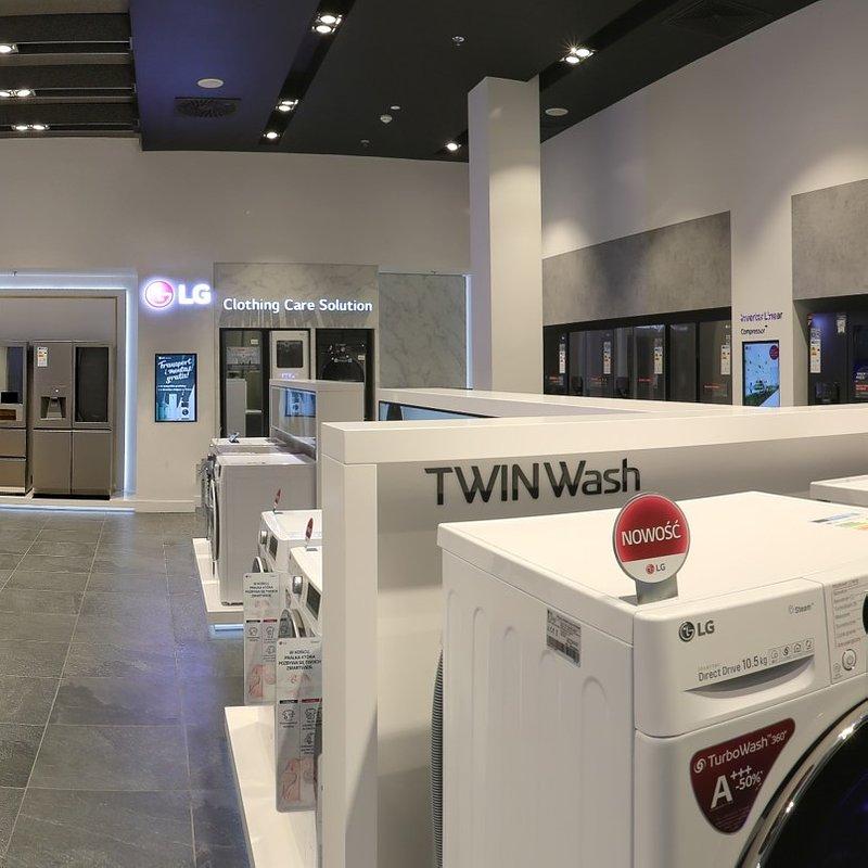 LG Brand Store Wrocław (11).jpg