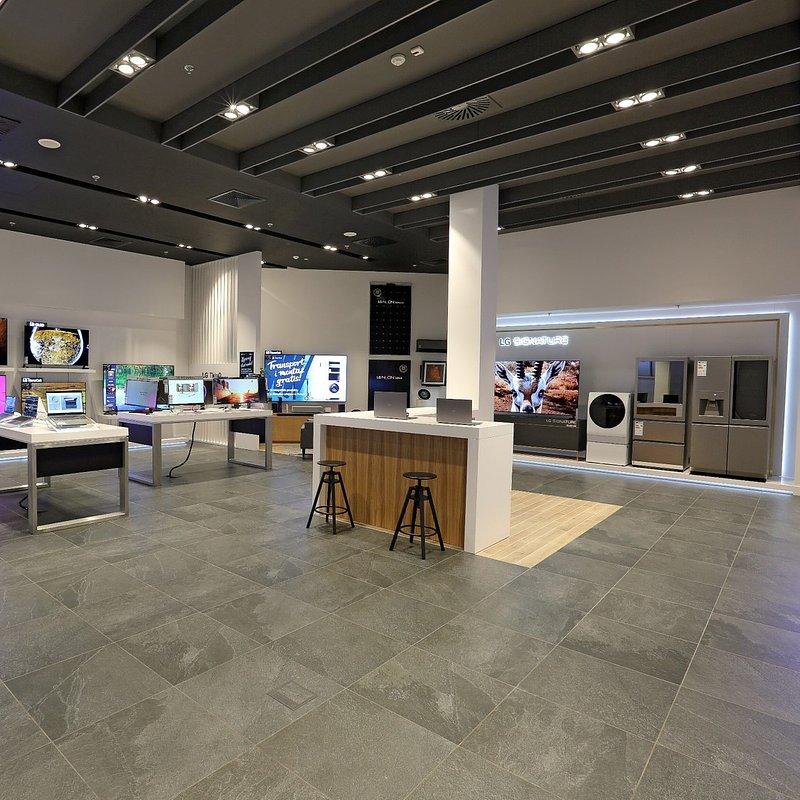 LG Brand Store Wrocław (12).jpg
