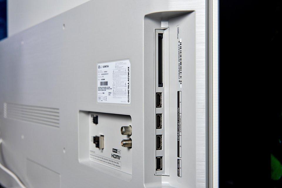 LG OLED C1 48 cali (4).jpg