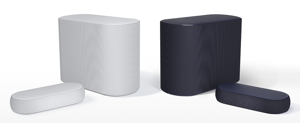 LG Eclair Black & White 02.jpg
