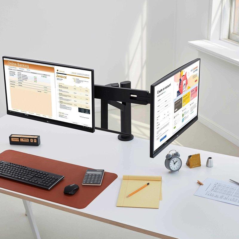 LG Ergo Monitor - Office 05.jpg