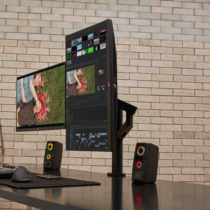 LG Ergo Monitor - Video Editing.jpg