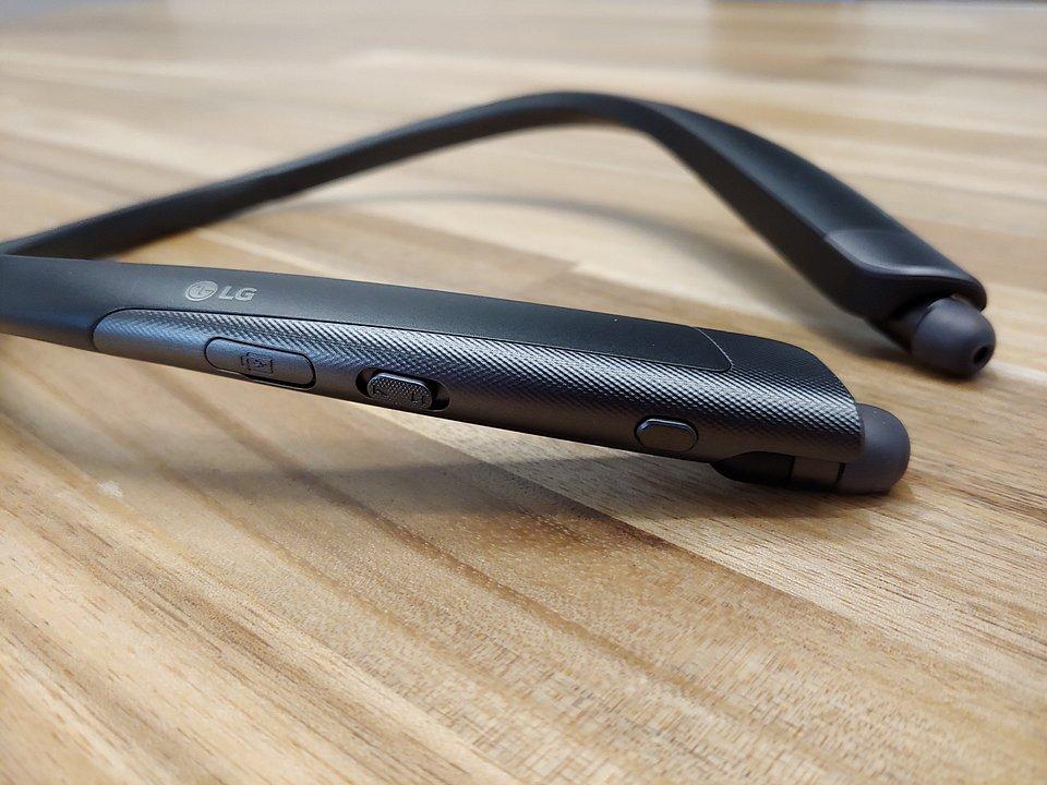 LG Tone Platinum SE_AG.jpg
