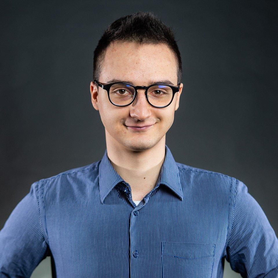 Artur Szambelan - Support Manager LifeTube