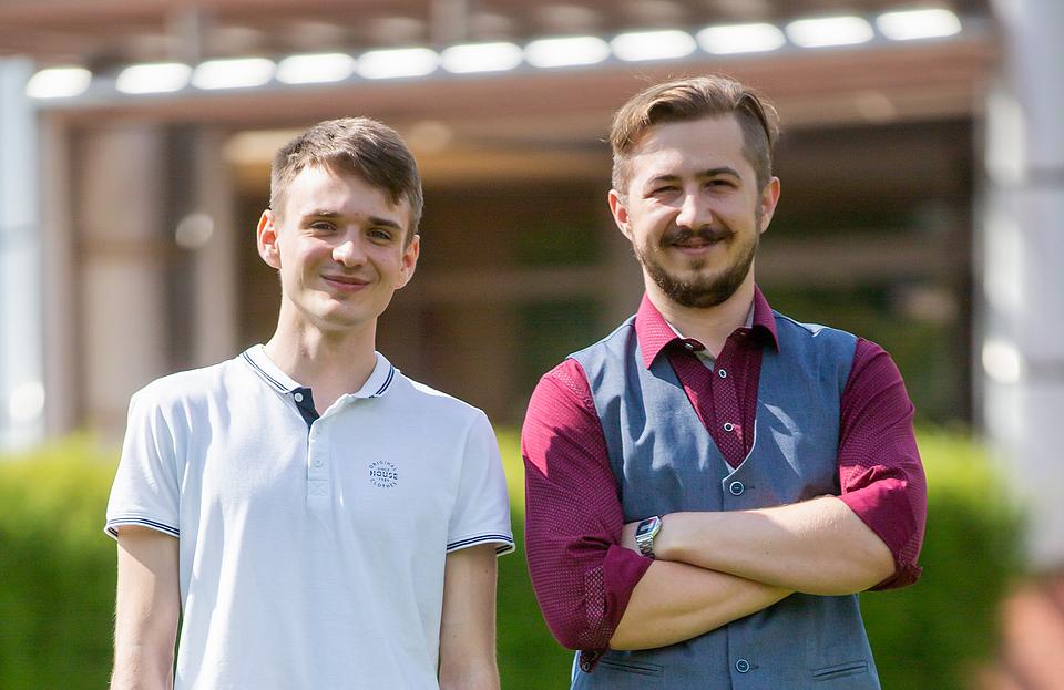 Mateusz (podopieczny) i mgr Norbert Borowski (opiekun) - ten duet naukowy spotykał się głównie w weekendy.