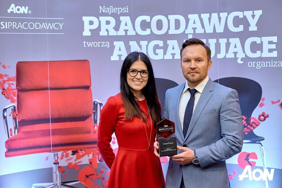 Nagrodę dla Grupy Pracuj odebrali Rafał Nachyna, Dyrektor Zarządzający Pracuj.pl oraz Konstancja Zyzik, Talent Acquisition & Employer Branding Manager w Grupie Pracuj