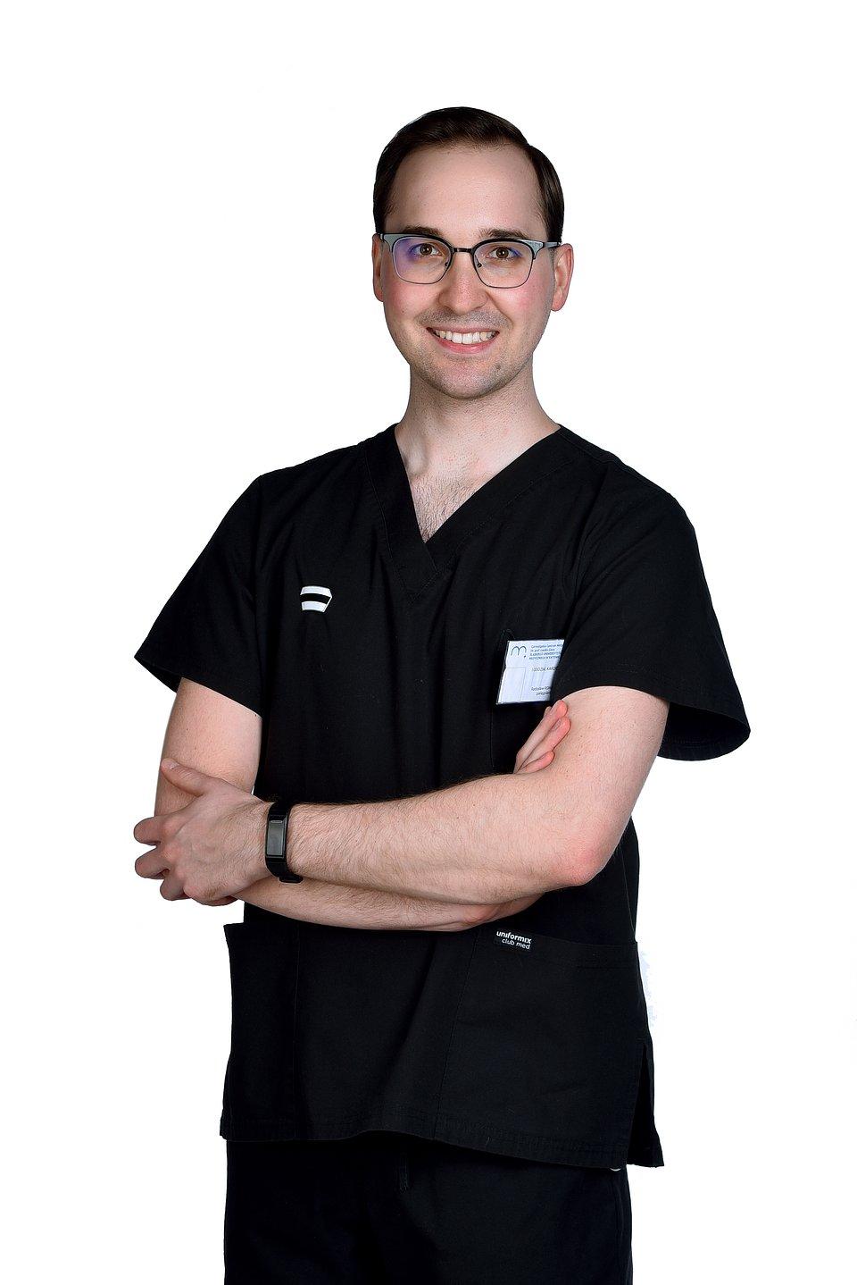 Radosław Romanek, laureat piątej polskiej edycji konkursu Queen Silvia Nursing Award