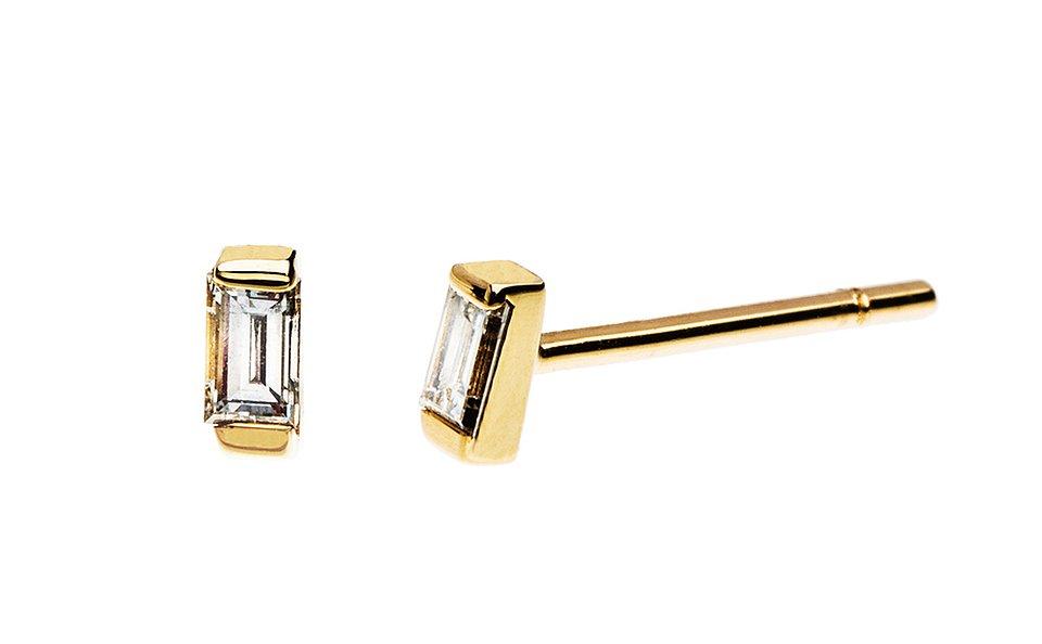 Złote kolczyki z diamentem, 760 zł