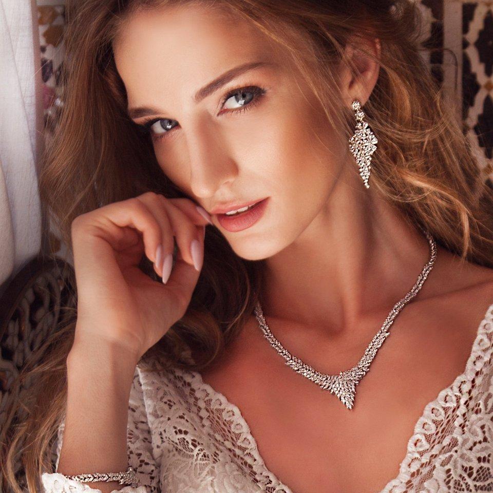 Biżuteria Red Rubin, fot. Magdalena Baczyńska, suknia Anna Sarnowska Studio