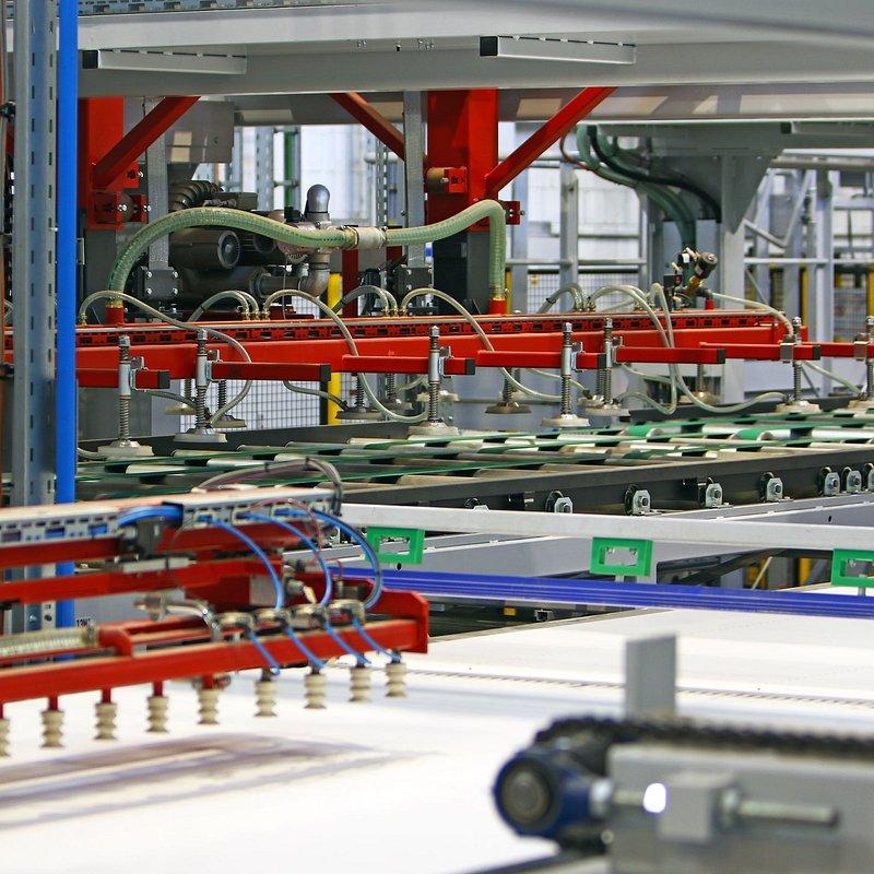 Pfleiderer_Nowa linia produkcyjna KT 11 w Grajewie, fot. materiały prasowe Pfleiderer  (2).JPG