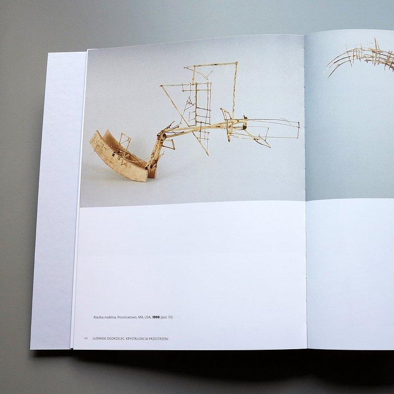 książka_Ludwika Ogorzelec - Krystalizacja przestrzeni, fot. materiały prasowe Muzeum Architektury we Wrocławiu (6).JPG
