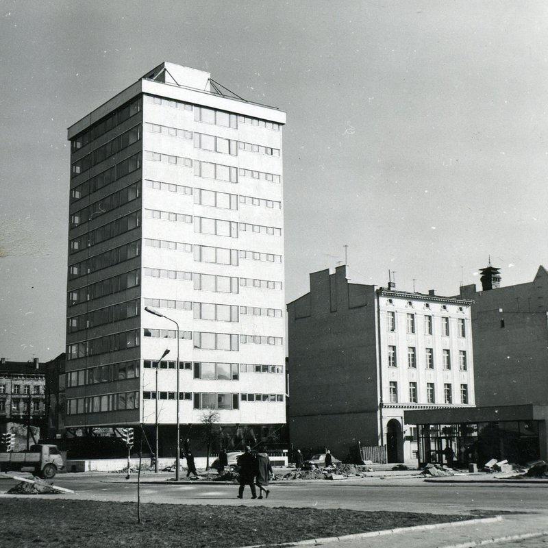 Trzonolinowiec u zbiegu ulic T. Kościuszki i Dworcowej, Fot. Tomasz Olszewski.JPG