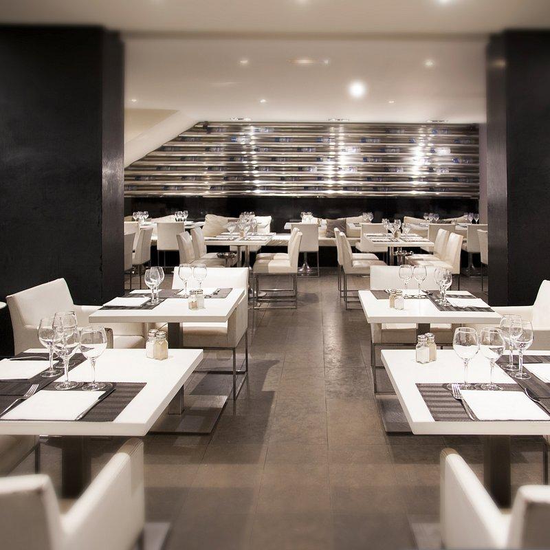restauracja i materiał DUROPAL XTreme SolidColor (XM), fot. materiały prasowe Pfleiderer.jpg