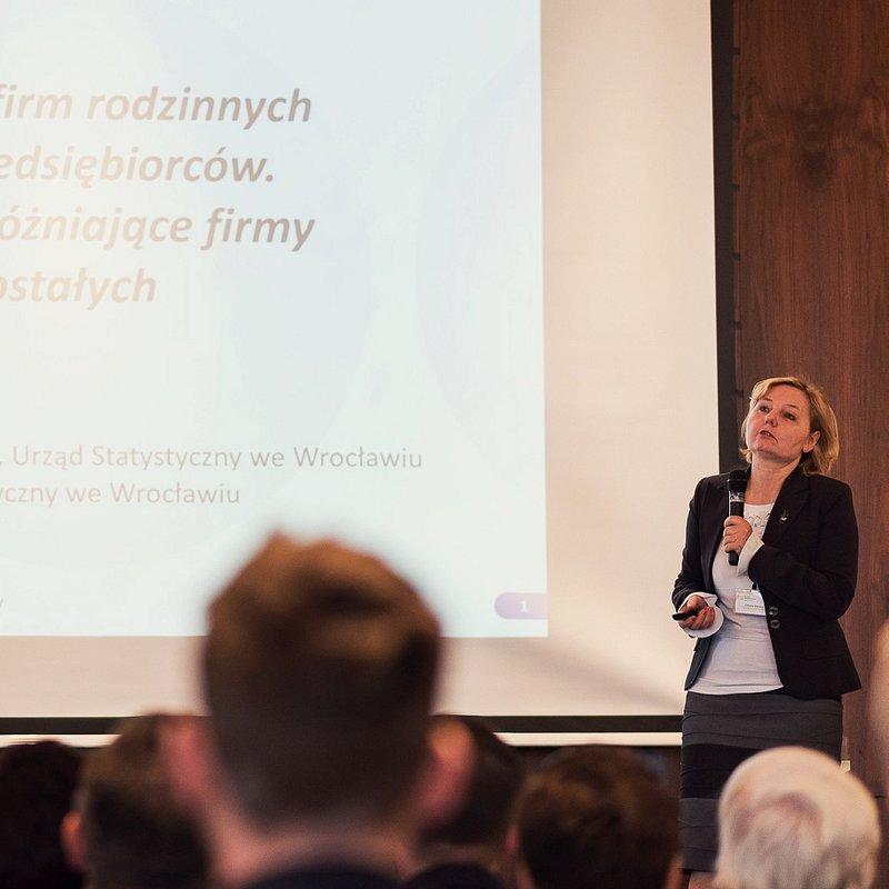 KFR_prezentacja wyników badań_Elżbieta Stańczyk_Urząd Statystyczny we Wrocławiu.jpg