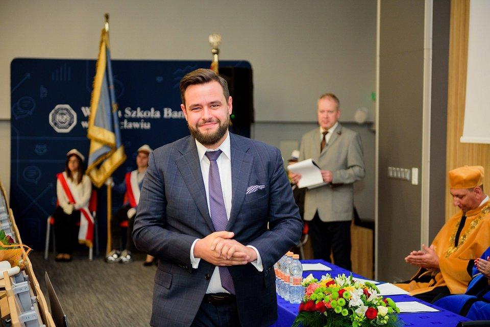 Wojciech Wróbel Przewodniczący Rady Programowej Centrum Biznesu Rodzinnego przy WSB we Wrocławiu.