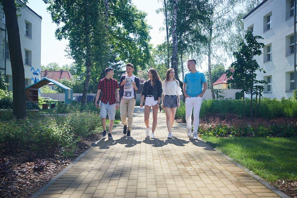 studenci WSB Gdańsk, kampus uczelni
