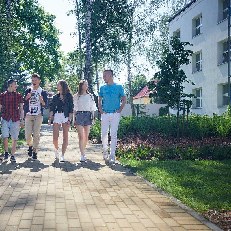 studenci WSB Gdańsk.jpg