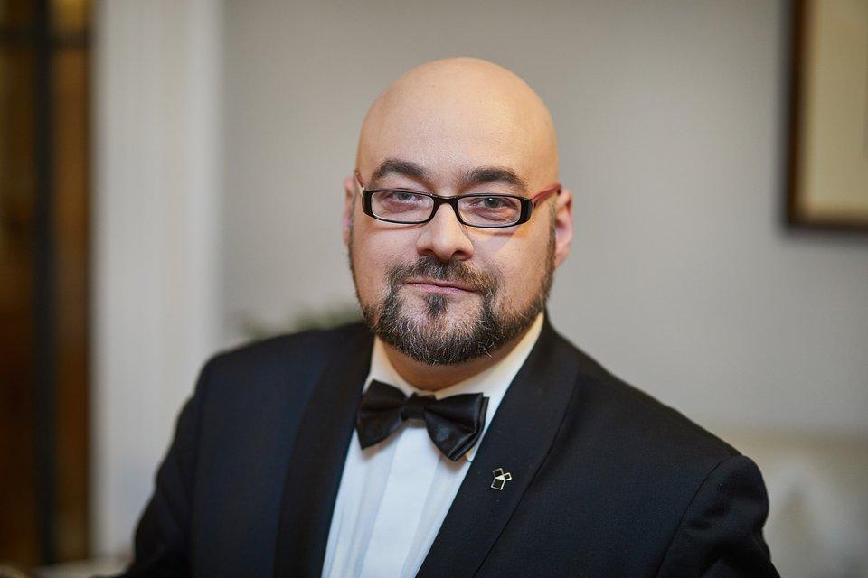Autorem artykułu jest Wojciech Mościbrodzki - ekspert z zakresu sztuki i filozofii, wykładowca i menedżer kierunku Multimedia i grafika komputerowa, Wyższa Szkoła Bankowa w Gdańsku