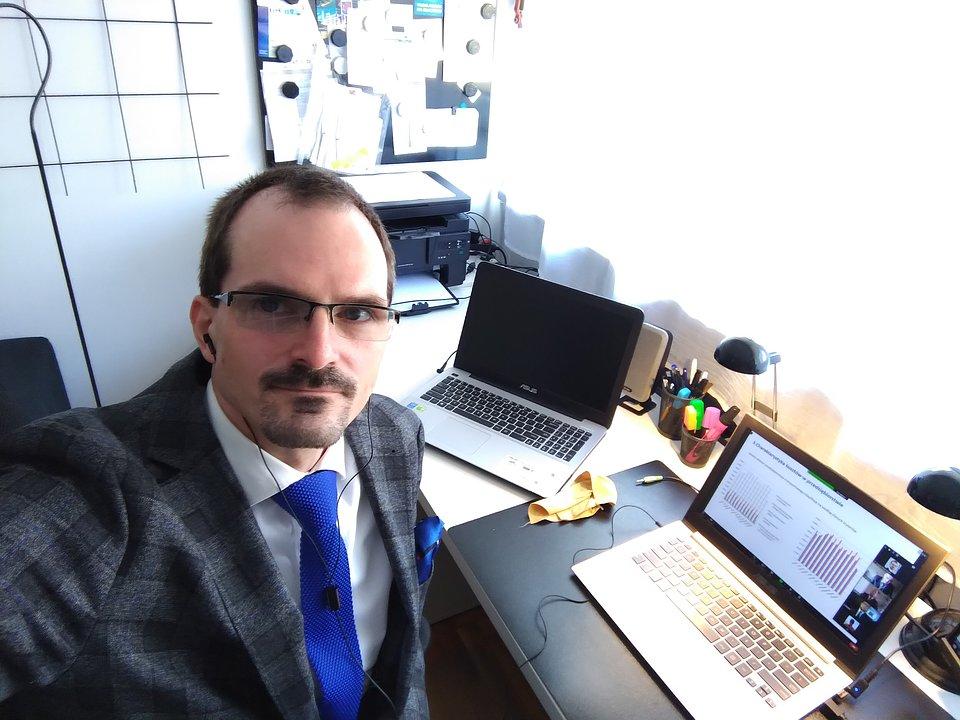 dr Łukasz Wawrowski
