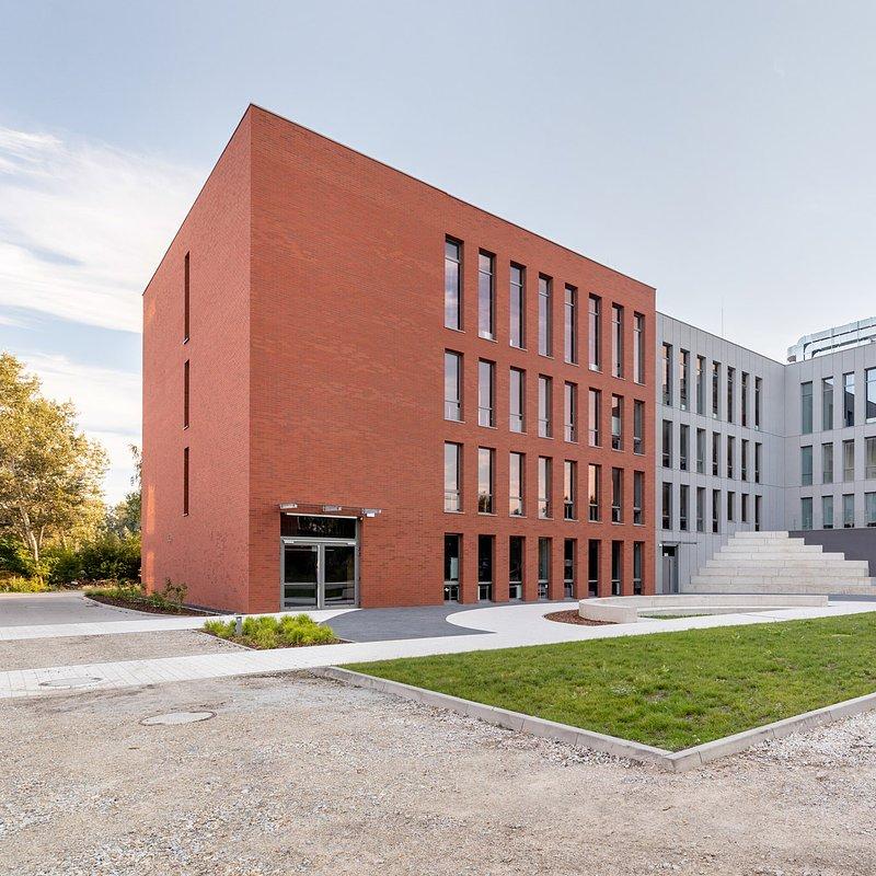WSB we Wrocławiu_nowy budynek dydaktyczny (5).jpg