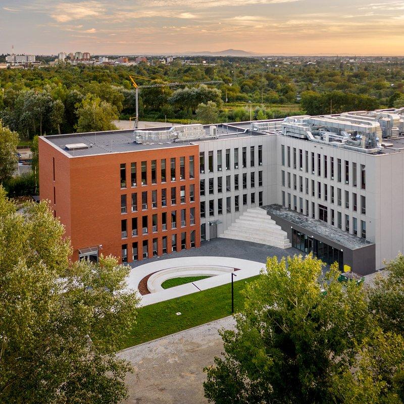 WSB we Wrocławiu_nowy budynek dydaktyczny (6).jpg