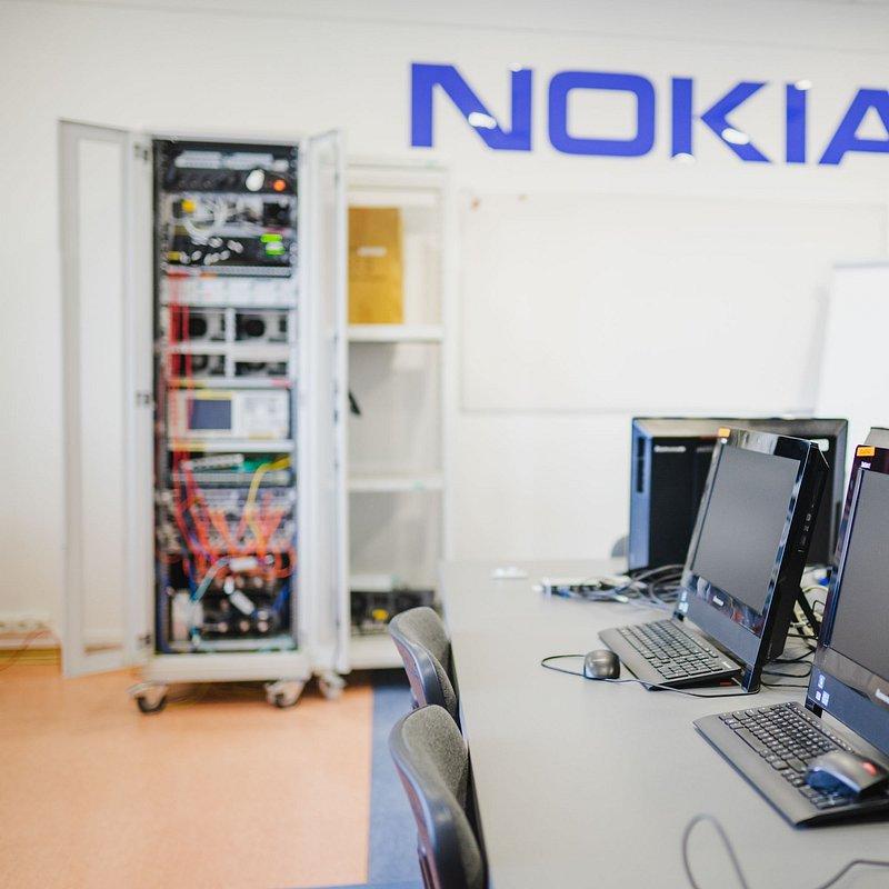 Nokia i WSB we Wrocławiu otwierają akademickie laboratorium LTE_informacja prasowa_fot_1.jpg