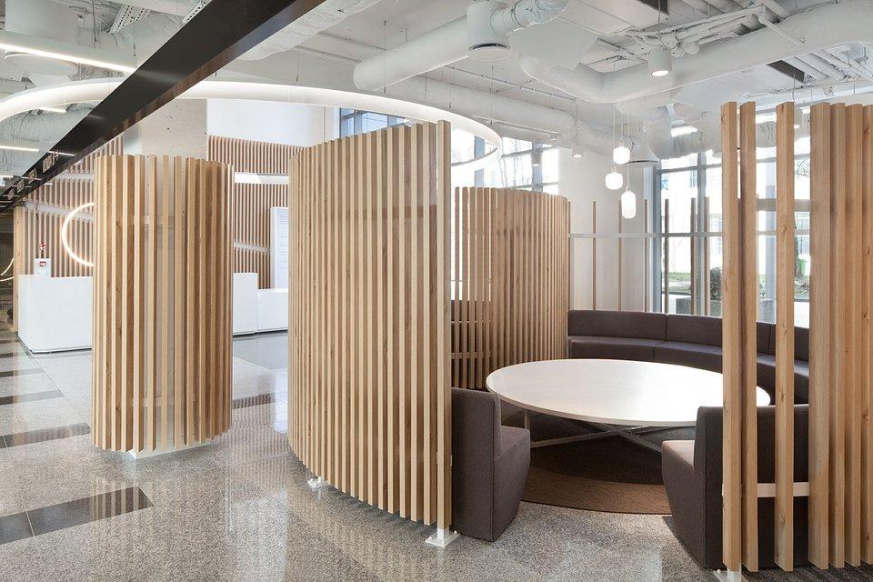 Lobby HOL 7.7 po modernizacji