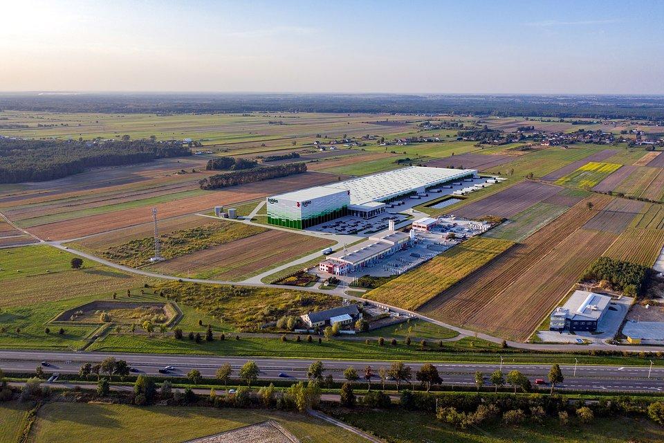 Żabka Polska's logistics center developed by 7R, visualization.