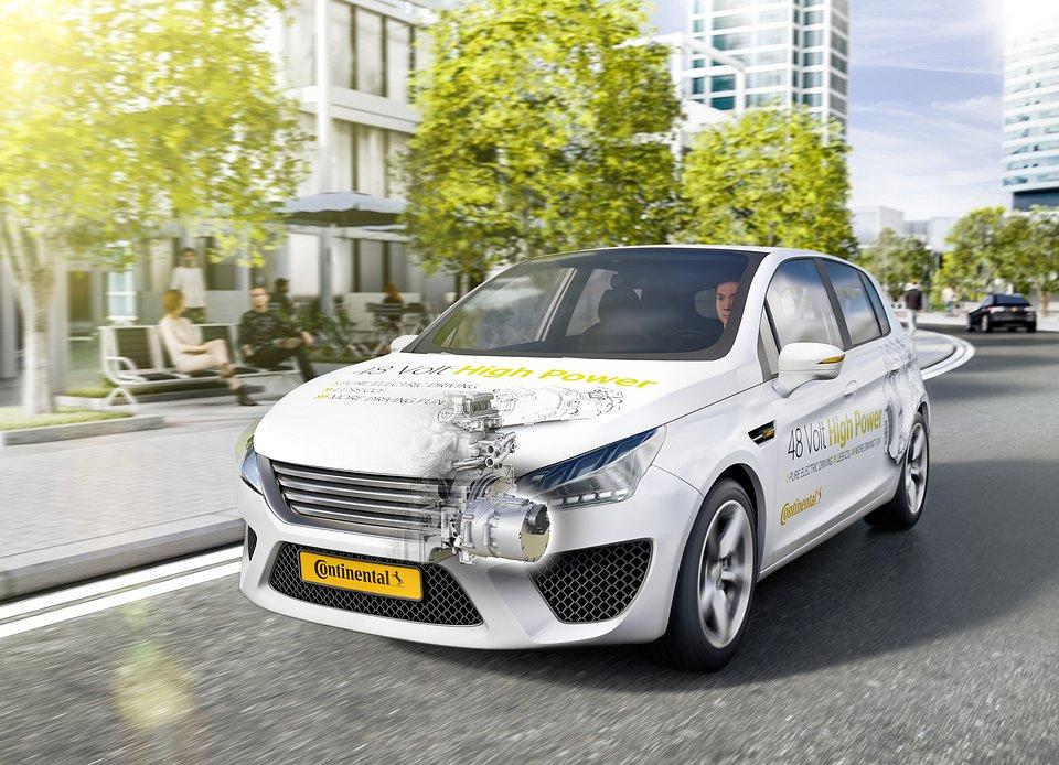 Niskie napięcie i wysoka wydajność: w pełni hybrydowe auto z 48-woltową technologią o wysokiej mocy od Continental.