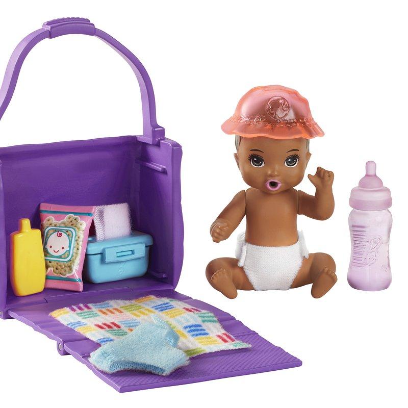 Barbie_Skipper_Dziecko_akcesoria_GHV86.tif