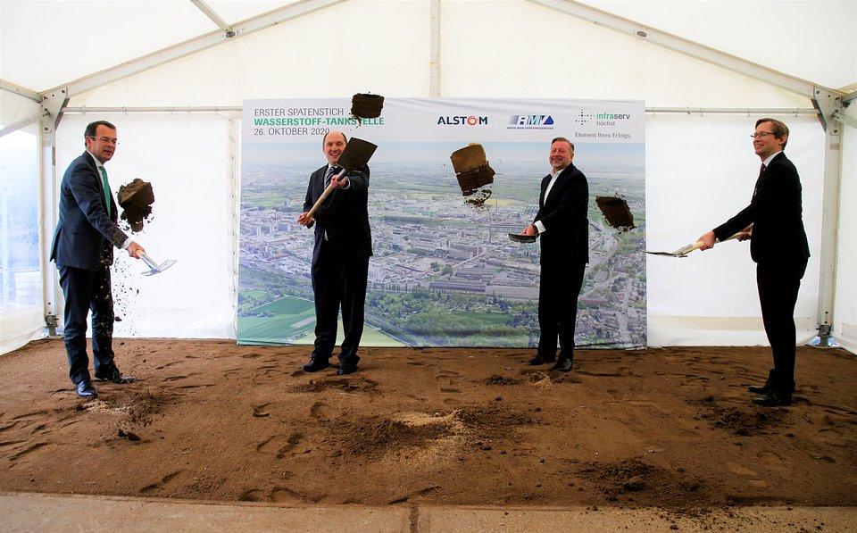 Inauguracja budowy pierwszej stacji tankowania wodoru dla pociągów pasażerskich w Hesji.