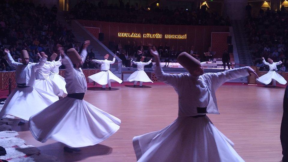 Tańczący Derwisze