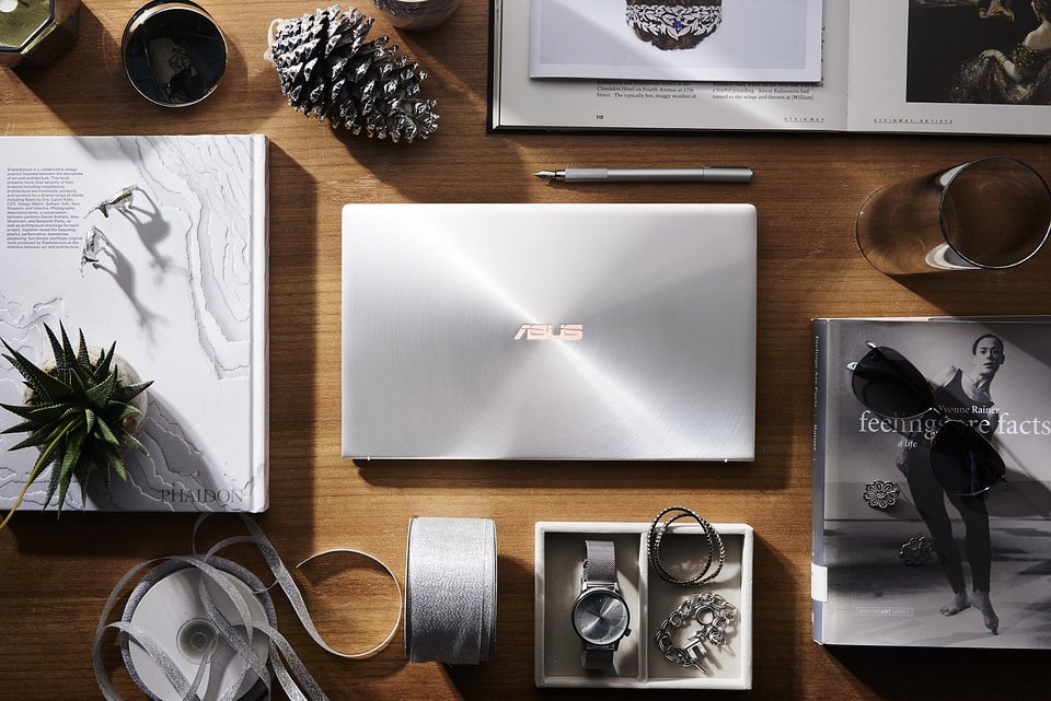 UX333_Silver.jpg
