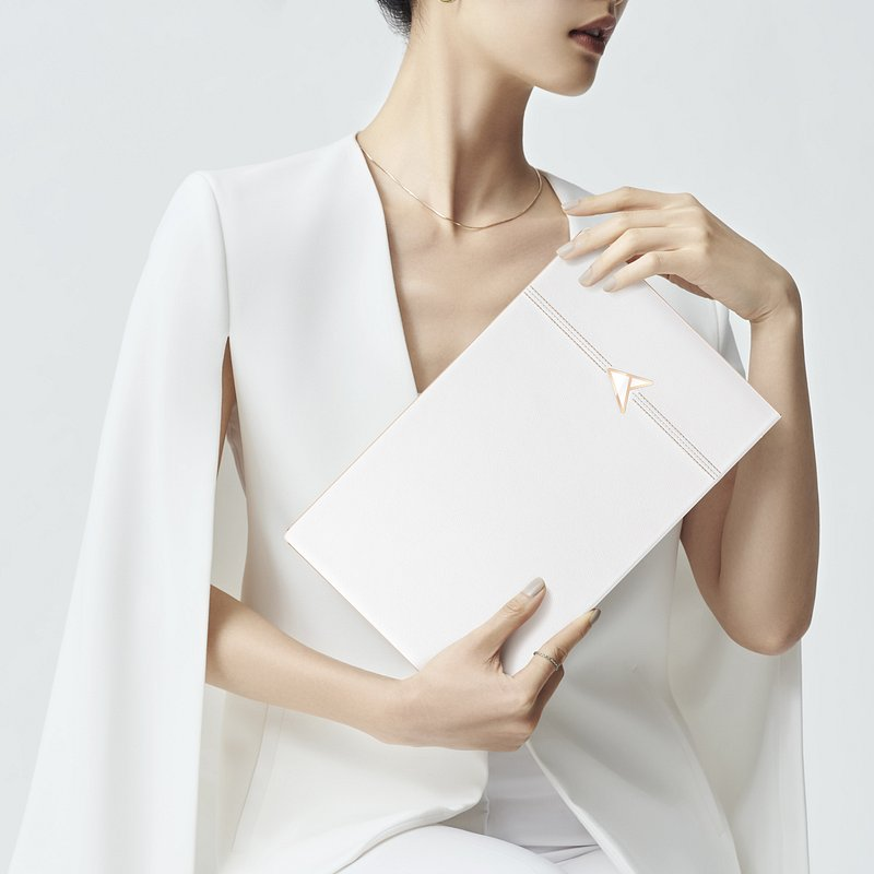 ZenBook Edition 30_Pearl White color_fashionable_bold style.jpg