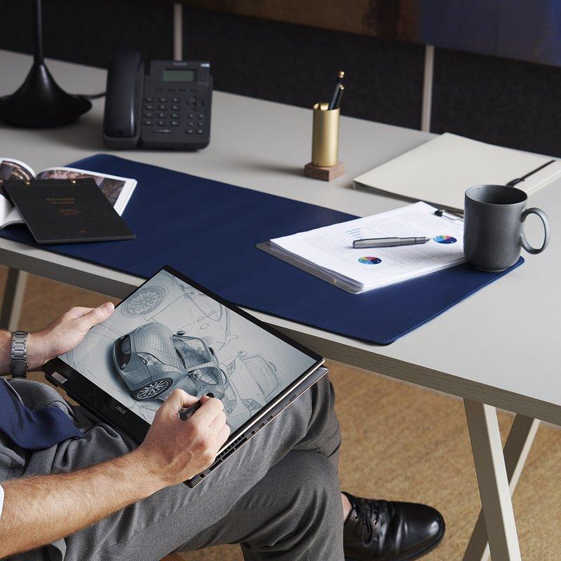 ZenBook Flip 15_UX564PH_scenario photo_01.jpg