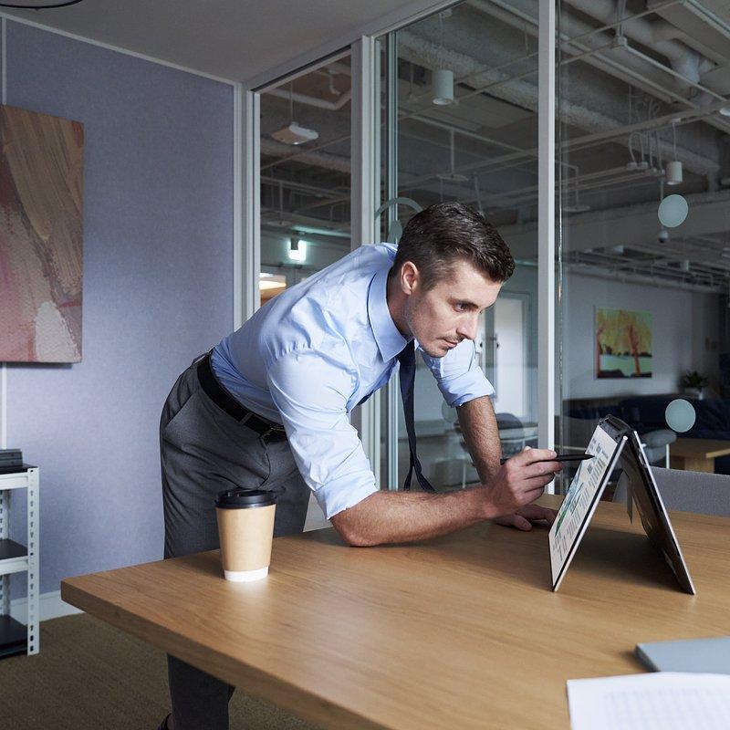 ZenBook Flip 15_UX564PH_scenario photo_04.jpg
