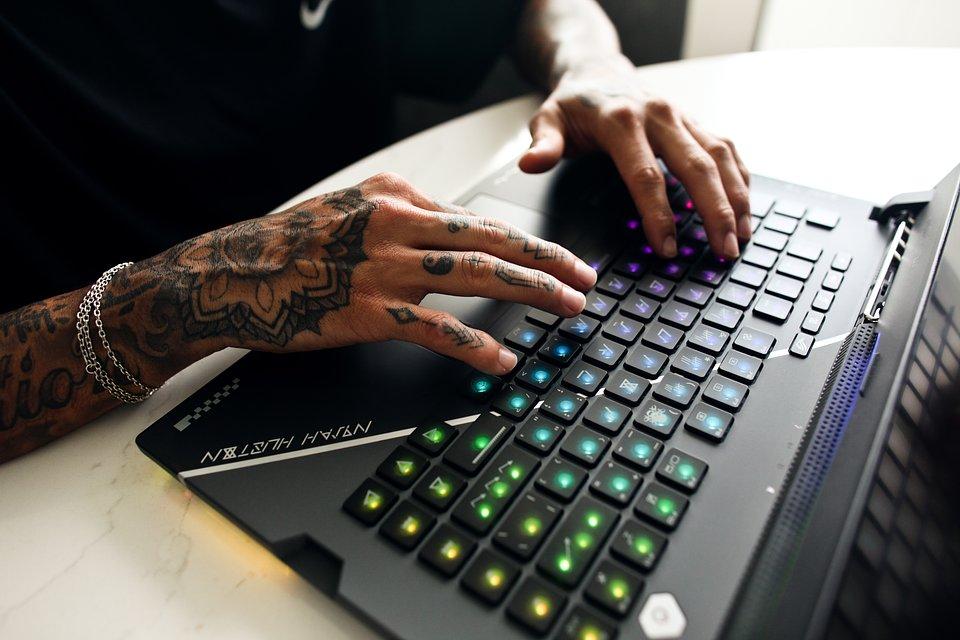 The optical mechanical keyboard with a custom font.jpg