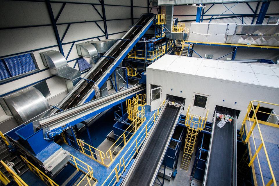 Wnętrze najnowocześniejszej w Polsce instalacji mechaniczno-biologicznego przetwarzania odpadów MBP_11.jpg