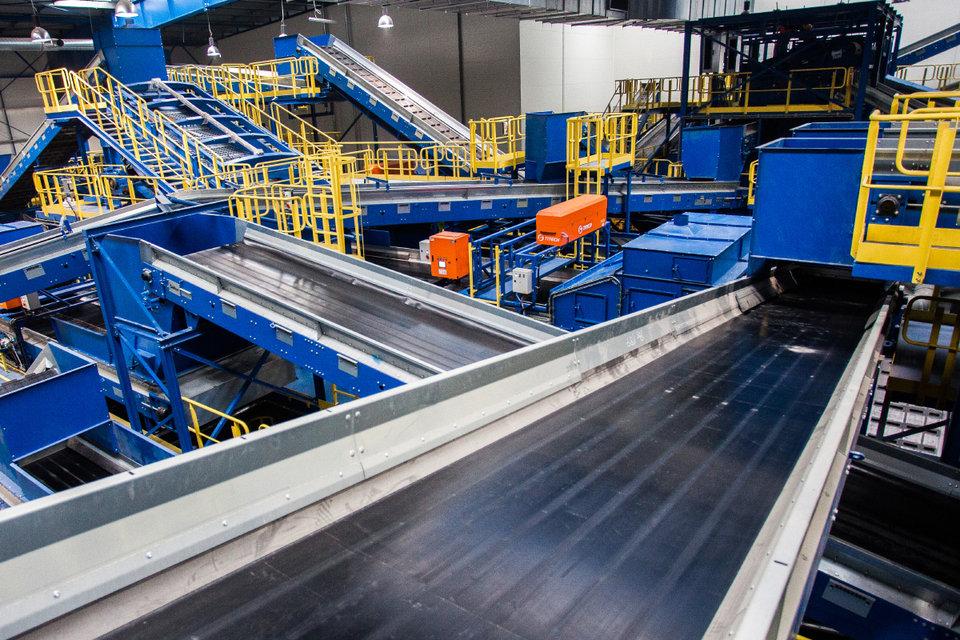 Wnętrze najnowocześniejszej w Polsce instalacji mechaniczno-biologicznego przetwarzania odpadów MBP_4.jpg