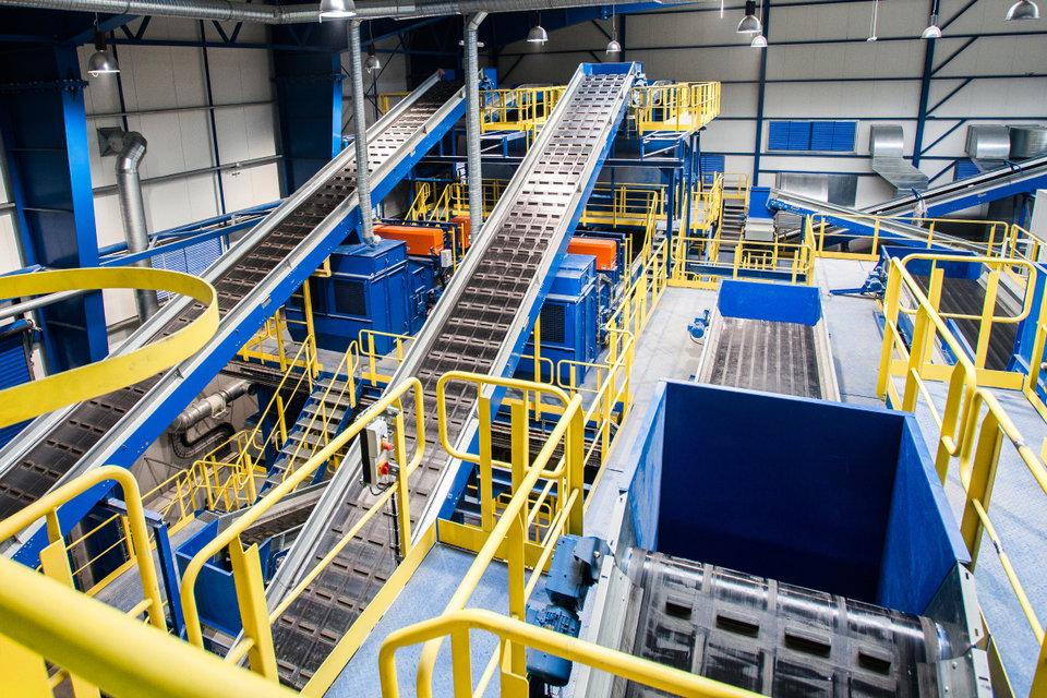 Wnętrze najnowocześniejszej w Polsce instalacji mechaniczno-biologicznego przetwarzania odpadów MBP_3.jpg
