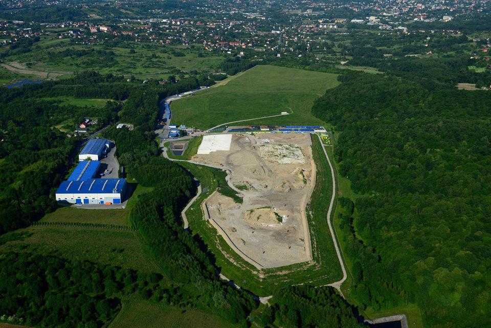 Centrum Ekologiczne Barycz - widok z lotu ptaka.jpg