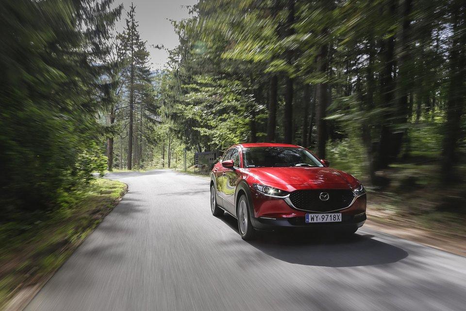 Mazda_CX-30_SlowRoad_2020_02.jpg